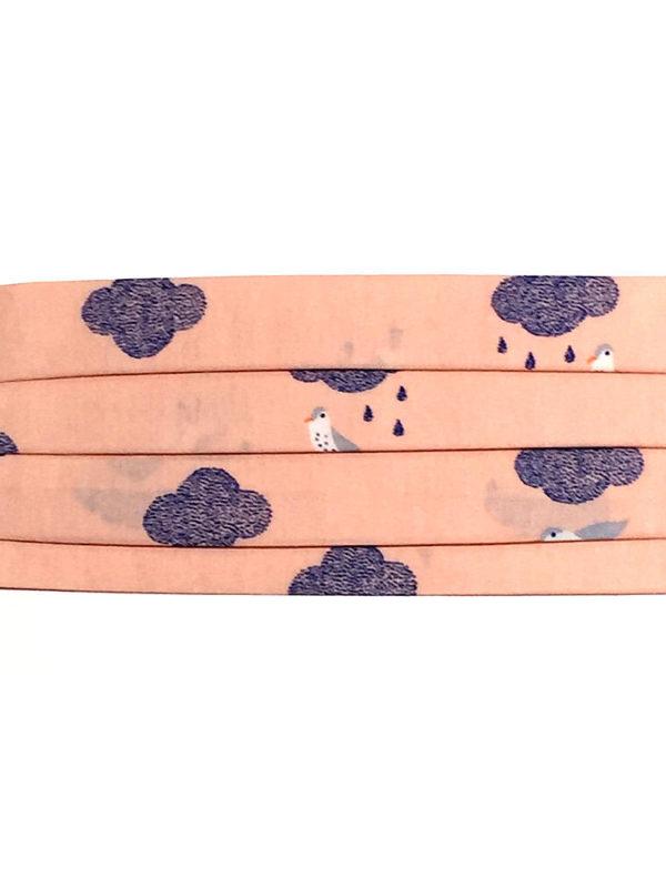 Mascarilla de algodón antibacteriano resistente al agua lavable de acordeón y estampada con nubes y pájaros