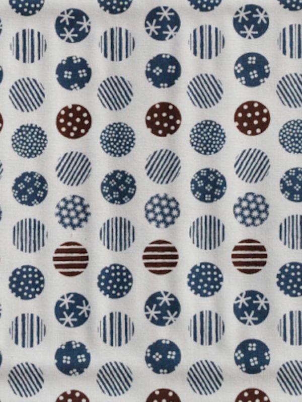 Tela de topos azules y marrones de la colección Coser y Tejer by Carme Salas de BCN Fabrics