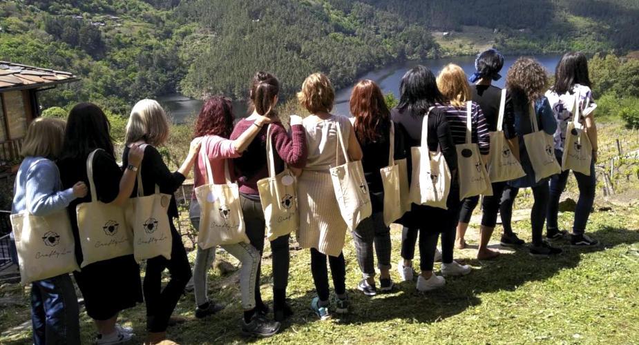 Retiro Tejeril CraftyLu Fin de semana de calceta en la naturaleza, en la Ribeira Sacra
