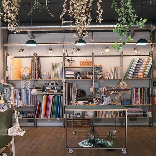 Vista del interior de la tienda CraftyLu en A Coruña
