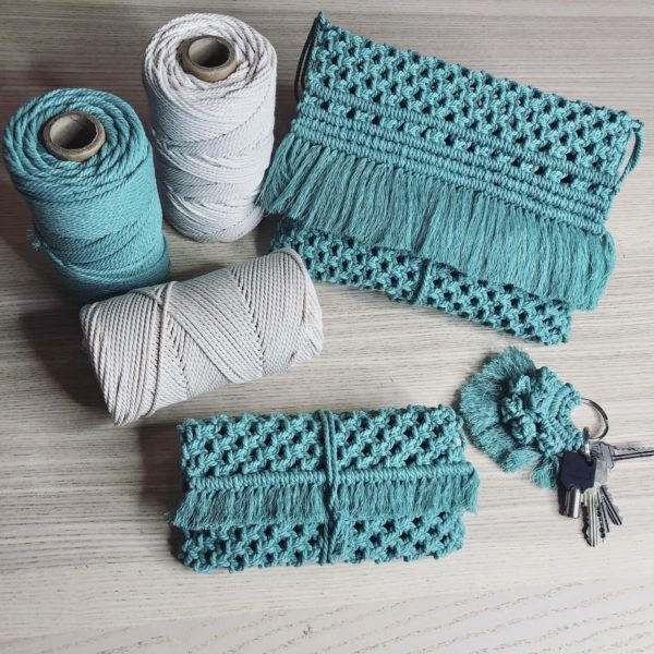 Cono de cuerda de macramé de 3 hilos de algodón y pet, de Casasol