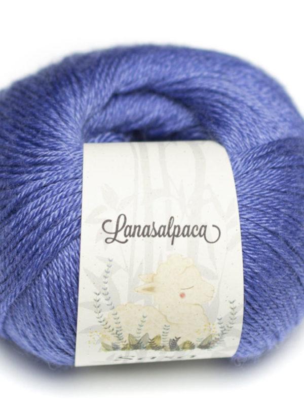 Ovillo de lana Sasa 10% Alpaca 40% Lana Merina y 50% Bambú, de Lanasalpaca, en color Electric 28011